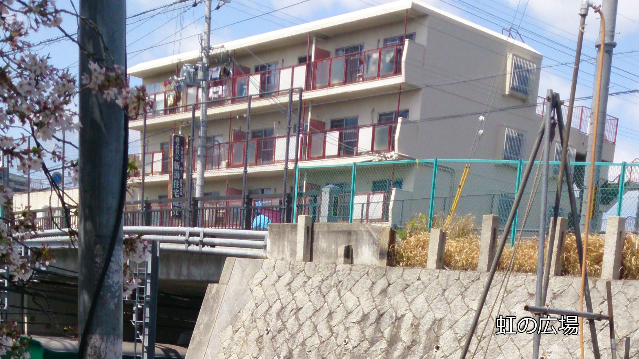 京阪藤森駅北側高架